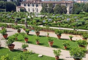 сад-виллы-Кастелло-canstockphoto10439716.jpg.