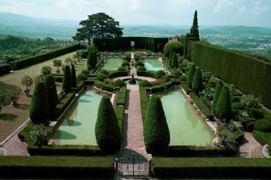 Gardens-of--gamberaia
