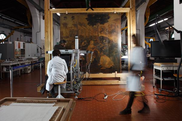 Поклонение в лаборатории (foto Alberto Novelli161937155-6743aebf-002a-4acf-9cbb-41126ab3b378)