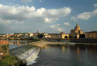 Arno river with the Pescaia di Santa Rosa