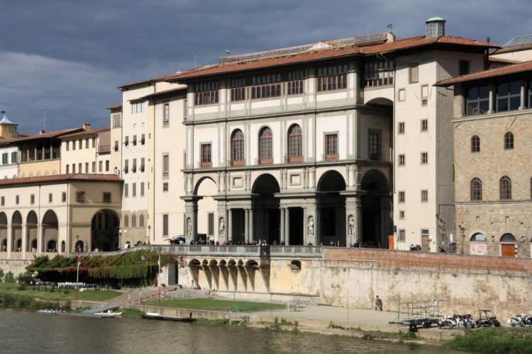 Lungarno Archibusieri, Uffizi, Firenze